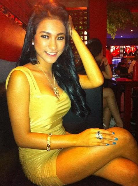 foto seksi model toket gede Amel Alvi
