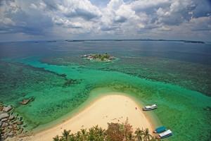 IMG_4267 Pulau Lengkuas dari atas mercusuar