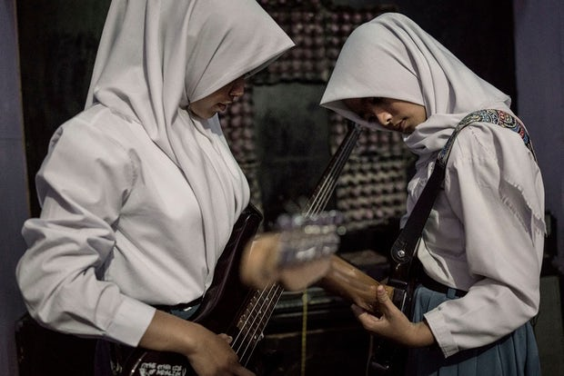 indonesia schoolgirl thrash metal band namenoble.com